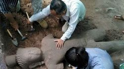 Ο «φύλακας του νοσοκομείου». Αρχαιολόγοι ανακάλυψαν στην Καμπότζη σπάνιο άγαλμα του 13ου αιώνα και ύψους