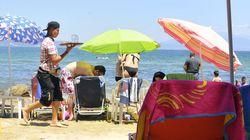 «Το βαρύ τίμημα που πληρώνουν 340.000 εργαζόμενοι» στον τουρισμό. Νέο ρεπορτάζ αυτή τη φορά από το