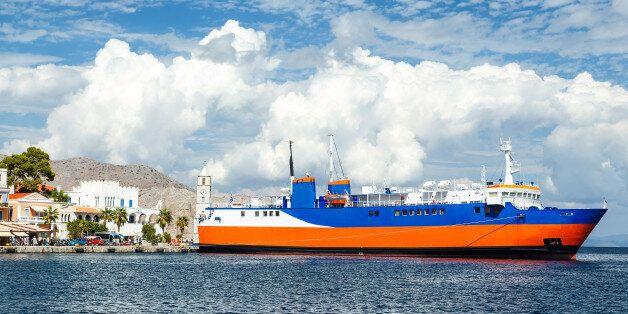 Πρόσκρουση του πλοίου «Διονύσιος Σολωμός» στο λιμάνι της