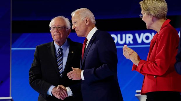 Sen. Bernie Sanders, I-Vt., left, shakes hands with former Vice President Joe Biden, center, and Sen. Elizabeth Warren, D-Mass., right, as they are introduced for the Democratic presidential primary debate hosted by ABC on the campus of Texas Southern University Thursday, Sept. 12, 2019, in Houston. (AP Photo/Eric Gay)