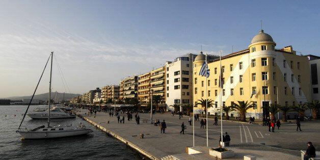 Αντιεξουσιαστές κατέλαβαν την πρυτανεία του Πανεπιστημίου Θεσσαλίας. Τραυματίστηκε εργαζόμενη στη