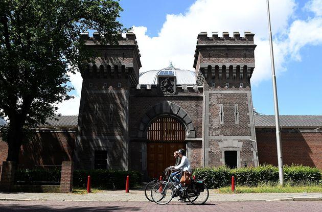 Η Ολλανδία κλείνει τις φυλακές της και σε όσες απομένουν δίνει τα κλειδιά στους κρατούμενους. Πώς νίκησε...