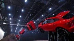 Οδηγός κάνει στροφή 270 μοιρών στον αέρα με μια Jaguar E-Pac - Σκηνή εμπνευσμένη από ταινία του