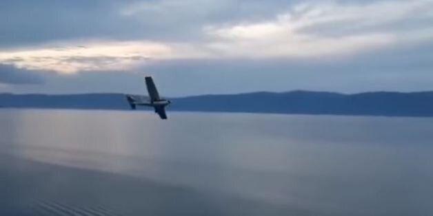 Βίντεο: Πτώση μικρού αεροσκάφους στη λίμνη