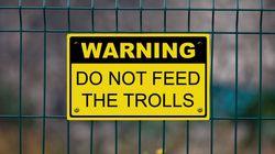 Τα trolls του ίντερνετ, εκτός από εκνευριστικοί, είναι επίσης ψυχοπαθείς και σαδιστές (λέει