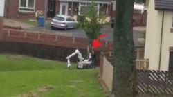 Βίντεο: Ανυποψίαστη γυναίκα περνά δίπλα από ρομπότ που εκτελούσε ελεγχόμενη