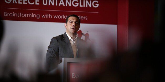Τσίπρας στο συνέδριο του Economist: Η Ελλάδα δεν θα βγει στις αγορές προστατευμένα. Θα βγει με το σπαθί
