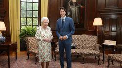 Φυσικά και η θέση που αξίζει στον Justin Trudeau είναι δίπλα στη βασίλισσα