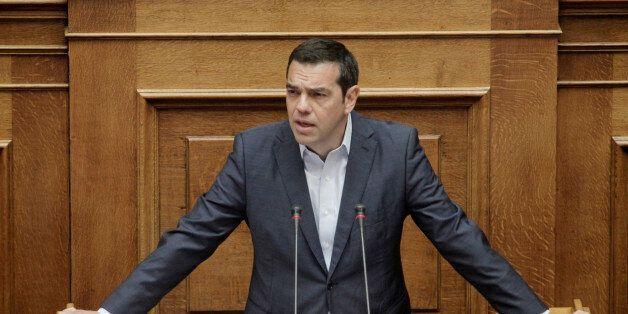Τσίπρας στη Βουλή: «Αυτός που πρέπει να απολογηθεί δεν είναι η κυβέρνηση, αλλά οι ψευδοπροφήτες της