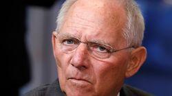 Σόιμπλε: Η ανάπτυξη θα ωθήσει την ΕΚΤ να βάλει τέλος στην «τρελή κατάσταση» των αρνητικών