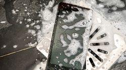 Έφηβη έχασε τη ζωή της όταν έπιασε το κινητό της που φόρτιζε ενώ βρισκόταν στην