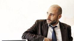 Νέα ανάρτηση του Μπογδάνου για την ανακοίνωση του Μαξίμου: «Θα σε κυνηγήσω με κάθε νομικό