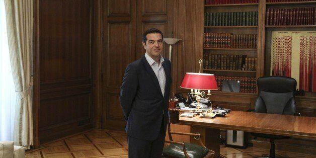 Ξεκινούν οι συναντήσεις Τσίπρα με πρόεδρο της Βουλής και πολιτικούς αρχηγούς. Eurogroup και Κυπριακό...