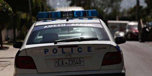 Μεγάλη επιχείρηση της ΕΛ.ΑΣ. σε καταυλισμό στο Μενίδι – Εντοπίστηκαν δύο κιλά