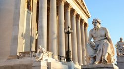 Politico: Ποιοι συνεργάτες του Τραμπ διαβάζουν αρχαία ελληνική ιστορία και