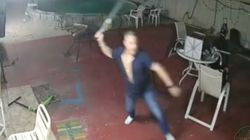 Βίντεο: Σπιτονοικοκύρης στη Φλόριντα έδιωξε ένοπλους ληστές κραδαίνοντας