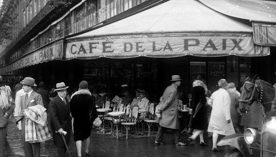 13 ιστορικά καφέ της Ευρώπης που κάθε ταξιδιώτης θα πρέπει να επισκεφθεί έστω μια