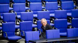 Ο Σόιμπλε ζητά την έγκριση των βουλευτών για τη δόση προς την Ελλάδα Ψηφίζουν στην Επιτροπή Προϋπολογισμού