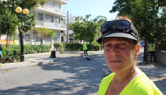 Δουλειά και χαμαλίκι: Οι άνθρωποι που μαζεύουν τα σκουπίδια μας, μάς μιλούν για τη δουλειά και τη ζωή