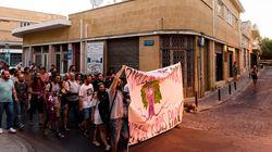 «Μην μας προδώσετε!» διαμήνυσαν στους Αναστασιάδη και Ακιντζί, εκατοντάδες διαδηλωτές κι από τις δύο κοινότητες της