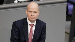 «Πλασέμπο» για την Ελλάδα η συζήτηση για το χρέος, λέει ο αντιπρόεδρος της ΚΟ του