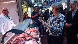 Η Μέι πήγε στην μεγαλύτερη αγορά του Λονδίνου και εκεί την περίμεναν οι χασάπηδες...και δεν ήταν όλοι