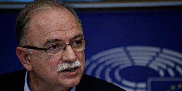 Εννέα ευρωβουλευτές ζητούν άμεσες αποφάσεις για την ελάφρυνση του ελληνικού χρέους ενόψει του Eurogroup...