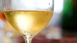 Το καλύτερο κόλπο για να κρατήσετε το κρασί παγωμένο χωρίς να χρησιμοποιήσετε