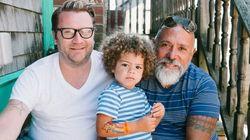 Αεροσυνοδός κατήγγειλε για «ανάρμοστο άγγιγμα» γκέι μπαμπά που είχε αγκαλιά το γιο του εν ώρα