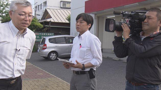 取材中の澤村記者