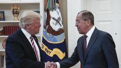 NYT: Ο Τραμπ παραδέχτηκε στους Ρώσους ότι η καθαίρεση του Κόμεϊ τον απάλλαξε από «μεγάλη