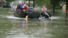 2 Tote Als Tropischer Sturm Imelda Stränge Treiber, Überschwemmungen Häuser In Texas