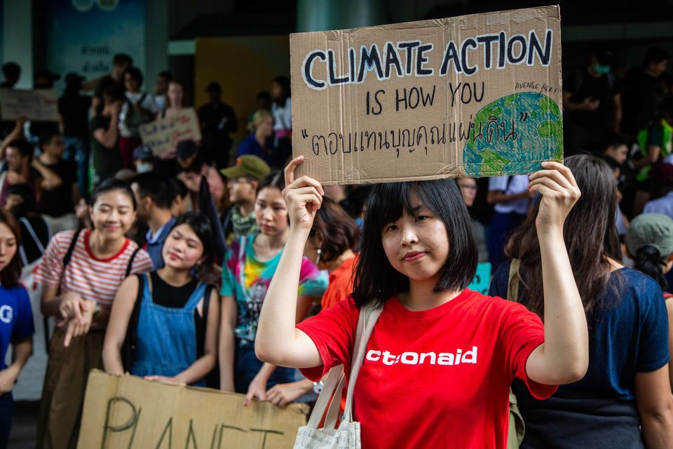 Ολοι στους δρόμους για την κλιματική αλλαγή: Η μεγαλύτερη γενική απεργία στην ιστορία του