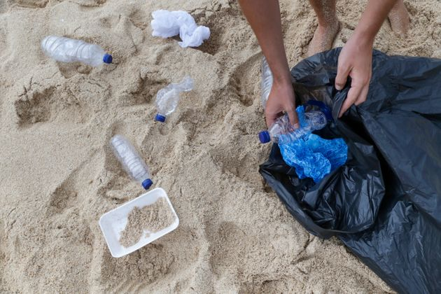 Puliamo il mondo dai rifiuti e dai pregiudizi