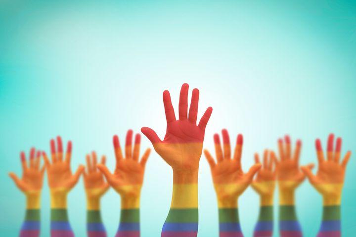 La part des couples homosexuelsvivant ensemble est passée de 0,6% à 0,9% en sept ans.