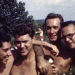 1940년대 미국 게이 풀 파티 영상에 등장한 남성들에 대한