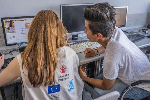 Δημιουργώντας ευκαιρίες: Πώς οι έφηβοι πρόσφυγες και μετανάστες στην Ελλάδα χτίζουν το μέλλον