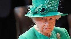 Η βασίλισσα Ελισάβετ παρακολουθεί φανατικά τι έχει συμβεί στη ζωή της μέσα από τη σειρά «The