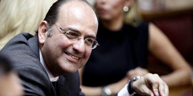 Λαζαρίδης: Ευχόμαστε να φορέσει γραβάτα ο κ. Τσίπρας. Μην ξεχάσει, όμως, να είναι