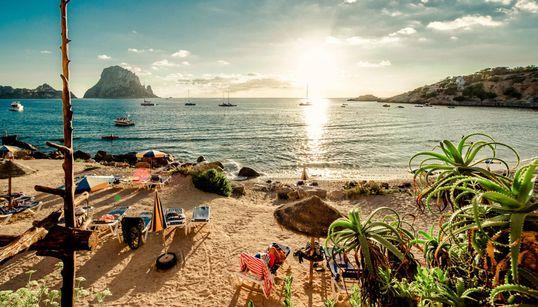 15 μαγευτικά νησιά της Ευρώπης για να κάνετε αξέχαστες διακοπές (γιατί όμορφα νησιά δεν έχει μόνο η