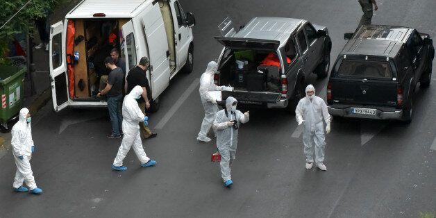 Επίθεση στον Παπαδήμο: Είχαν για ώρες πάνω τους το «τρομοφάκελο» - Τι «βλέπει» η