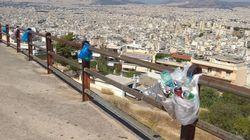 Και τα σκουπίδια έχουν ψυχή - κι ο Ελληνάρας τα κρεμάει με
