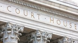Εκδικάστηκε η προσφυγή για το αμφιλεγόμενο διάταγμα Τραμπ. Την τελική απόφαση θα λάβει το Ανώτατο