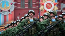 Φωτογραφίες, βίντεο: Εορτασμοί και η καθιερωμένη γιγαντιαία στρατιωτική παρέλαση για την «Ημέρα της Νίκης» στη