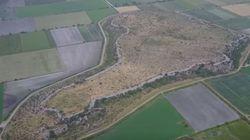 Βίντεο: Αυτό είναι το μεγαλύτερο μυκηναϊκό κάστρο της Ελλάδας-η ιστορία της ακρόπολης του Γλα στην