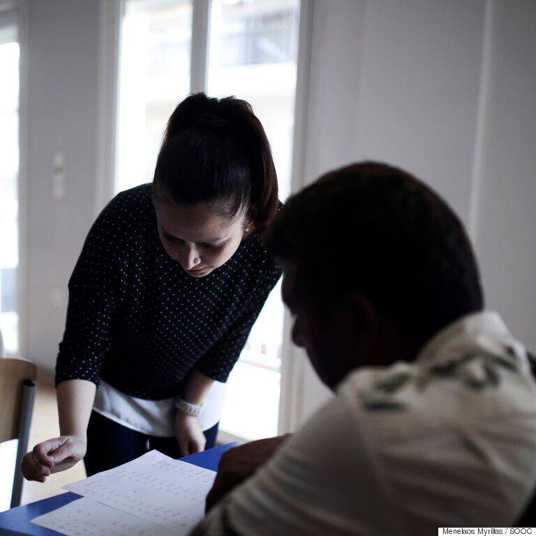 Παρακολουθήσαμε μαθήματα ελληνικών μαζί με πρόσφυγες και