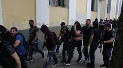 Στη φυλακή οι 14 από τους 15 κατηγορούμενους για συμμετοχή στην αποκαλούμενη «συμμορία των