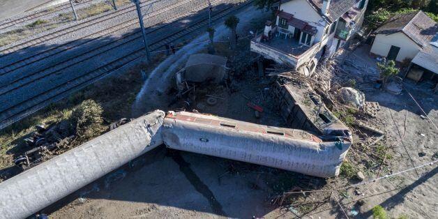 Τα τρία σενάρια για την τραγωδία με το τραίνο στο Άδενδρο