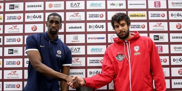 ISTANBUL, TURKEY - MAY 20: Fenerbahce's Ekpe Udoh (L) and Olympiacos' Georgios Printezis shake hands...