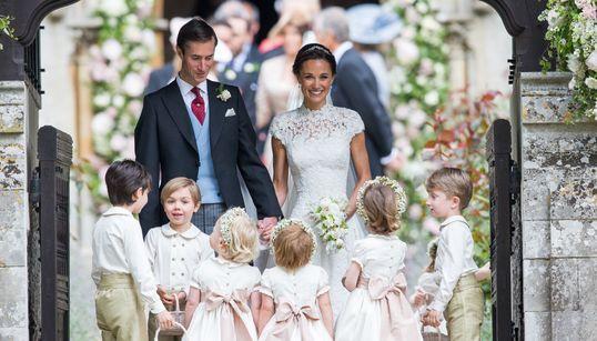 Η Πίπα παντρεύτηκε: 25 μεγάλες φωτογραφίες από το (σχεδόν βασιλικό) γάμο της αδερφής της Kate